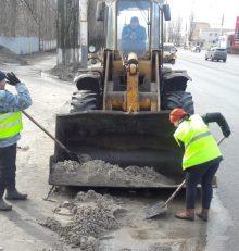 В Левобережном районе продолжаются активные работы по приведению улично-дорожной сети в надлежащее санитарное состояние