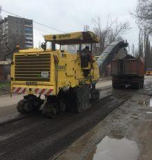 Продолжается плановая работа по восстановлению изношенных верхних слоев УДС района