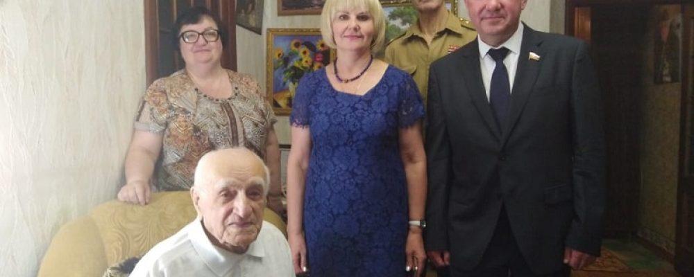 Ветерана Великой Отечественной войны Джабраилова Мамеда Мерзамамедовича посетили на кануне Дня памяти и скорби