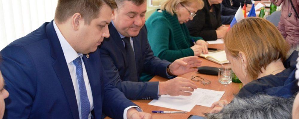 В управе Левобережного района прошел прием граждан представителями законодательной власти