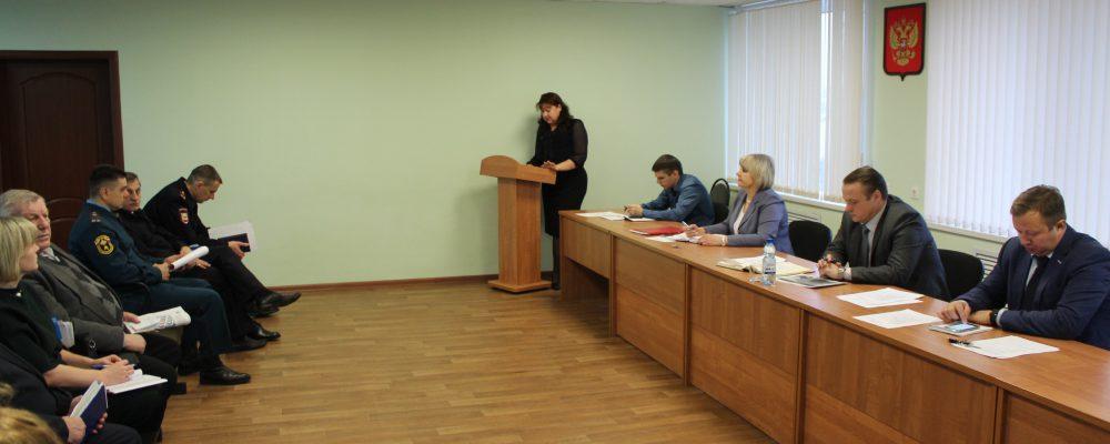 В управе Левобережного района руководитель общественной приемной губернатора Воронежской области подвела итоги работы приемной за 2019 год.