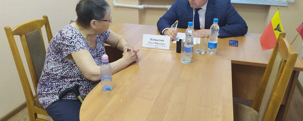 Руководитель управы Левобережного района провел прием граждан