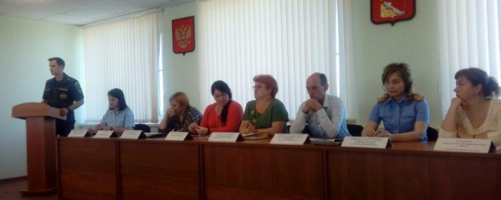 В Левобережном районе провели расширенное заседание комиссии по делам несовершеннолетних и защите их прав