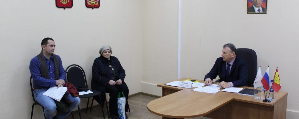 В Левобережном районе в общественной приемной губернатора состоялся прием граждан по личным вопросам.