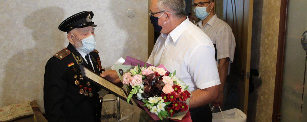 В Левобережном районе поздравили ветерана Великой Отечественной войны Ивана Николаевича Осадчука