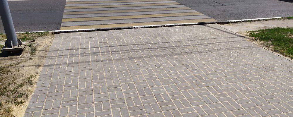 В Левобережном районе приступили к ремонтно-восстановительным работам на тротуарах