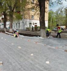 В Левобережном районе также  полным ходом идут работы по устройству газонов