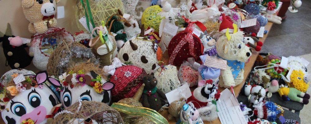 В Левобережном районе проходят мероприятия, посвящённые празднованию Нового года и Рождества