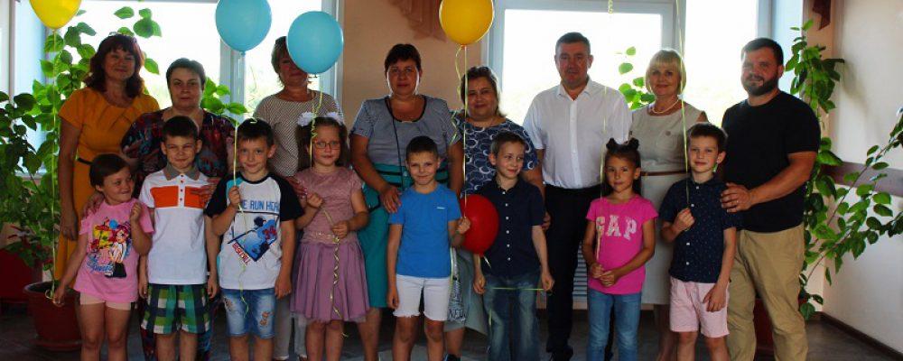 В Левобережном районе поздравили будущих первоклассников