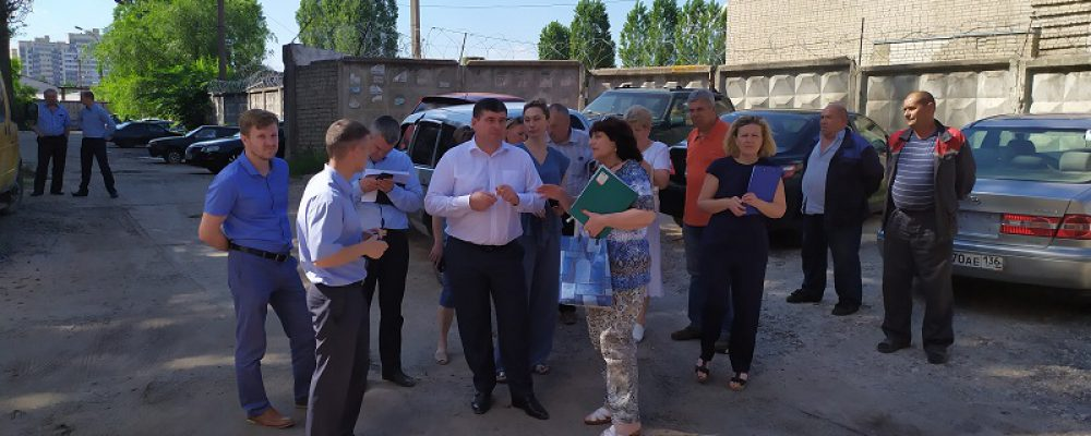 Руководитель управы Левобережного района провел выездное совещание с жителями многоквартирного жилого дома